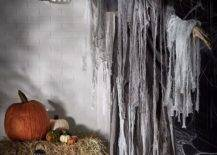 Going-old-school-with-Halloween-decorations-adds-an-additional-pizzazz-to-your-celebrations-56065-217x155