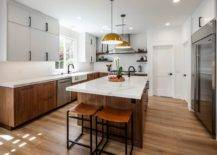 Gorgeous-and-spacious-kitchen-with-the-right-layout-makes-cooking-that-much-easier-90371-217x155