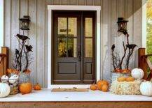 More-vintage-and-classy-approach-to-decorating-the-Halloween-porch-74759-217x155